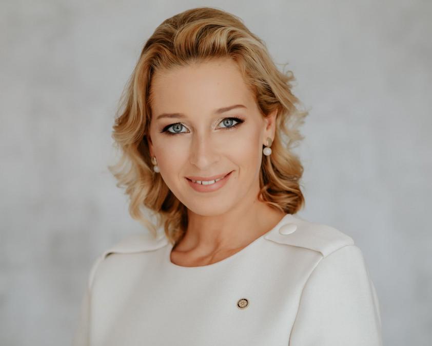 Dr. Radnóti-Márton Beatrix